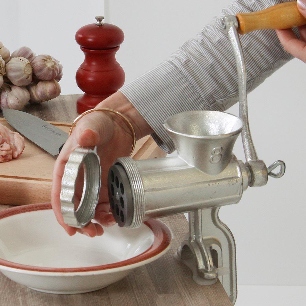 comment-nettoyer-un-hachoir-manuel-a-viande