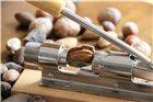 Casse noix à levier