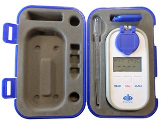 Réfractomètre digital avec 4 échelles